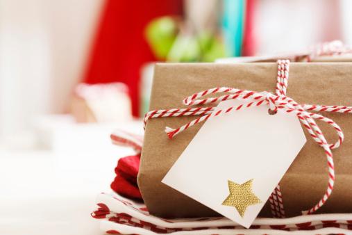 Où trouver des cadeaux de Noël solidaires?