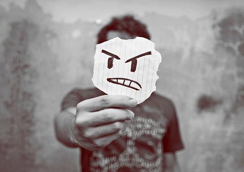 En colère contre Dieu ?