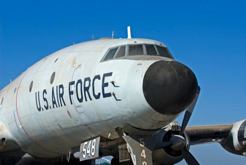 Armée de l'air : viré s'il ne prête pas serment devant Dieu !