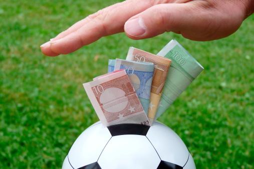 Corruption et football : carton rouge !