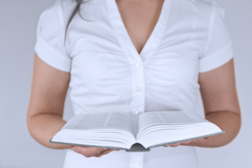 Les femmes prêchent-elles mieux que les hommes ?