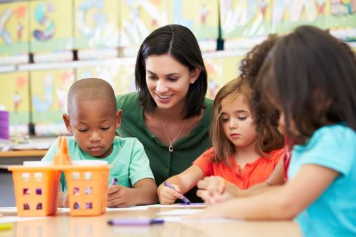 Instruire, éduquer… Qui fait quoi ?