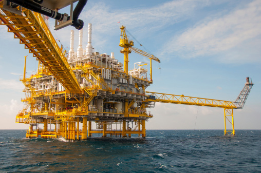 La rente pétrolière, aubaine ou malédiction ?