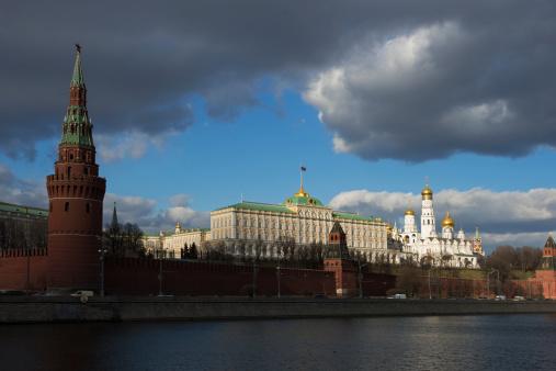 """""""Le risque des sanctions contre la Russie : conforter Poutine dans sa ligne dure"""""""