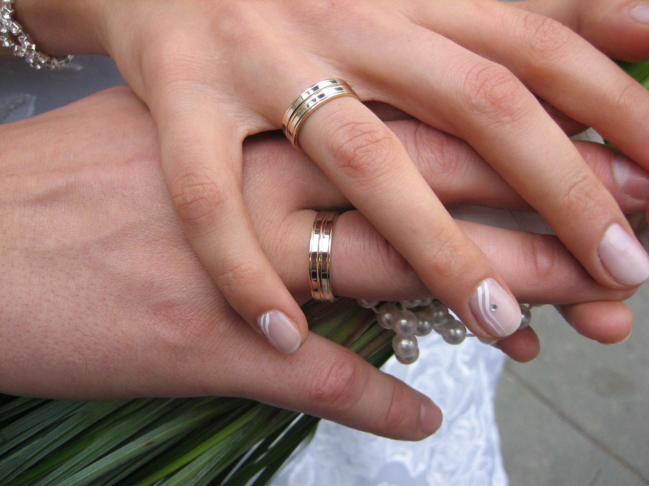 Le gouvernement revalorise le mariage civil