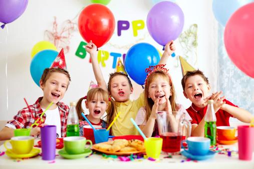 L'anniversaire avec les copains, il s'en souviendra!