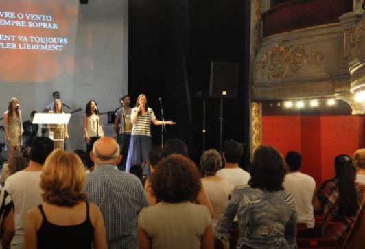 Prier comme au Brésil… à Paris