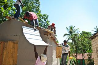 Haïti: Le tremblement de terre les avait séparés