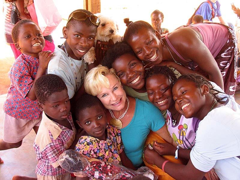 « Poussée par l'amour » vers les orphelins du Mozambique