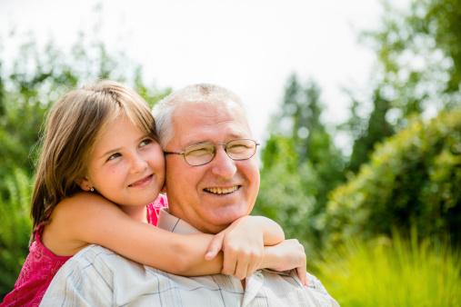 Le regard précieux des personnes âgées