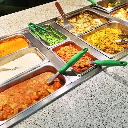 Le repas des enfants, un temps d'accueil ou de discrimination ?