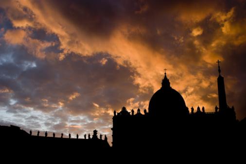 Le nouveau pape catholique face au défi évangélique mondial
